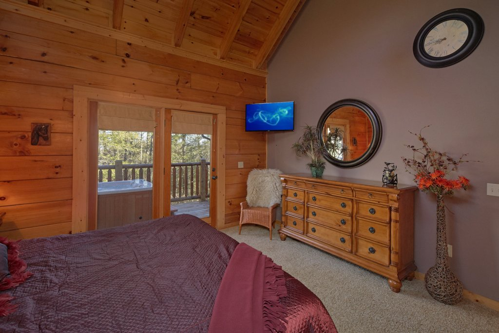 Photo of a Pigeon Forge Cabin named Tranquility - This is the thirteenth photo in the set.