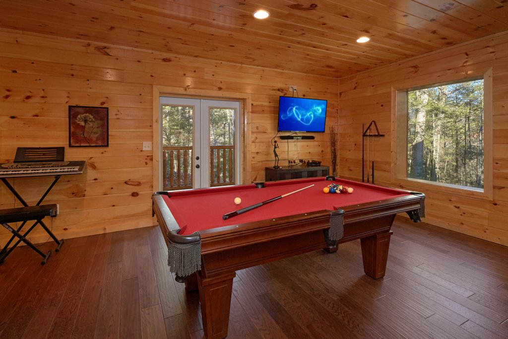 Photo of a Pigeon Forge Cabin named Tranquility - This is the third photo in the set.