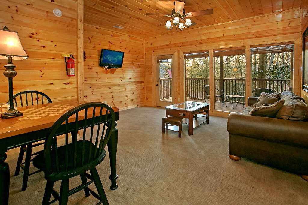 Photo of a Gatlinburg Cabin named Basswood Lodge - This is the thirteenth photo in the set.