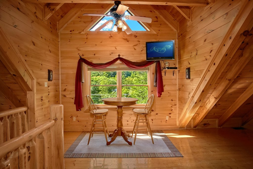 Photo of a Pigeon Forge Cabin named Autumn Blessings - This is the thirty-eighth photo in the set.