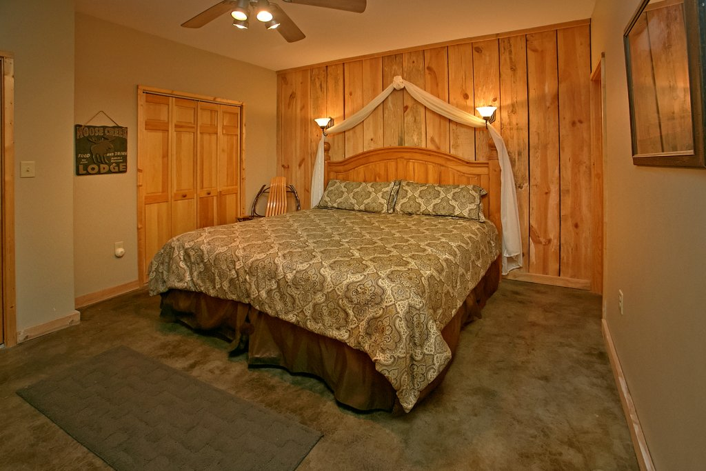 Photo of a Gatlinburg Cabin named Hawks Ridge - This is the sixteenth photo in the set.