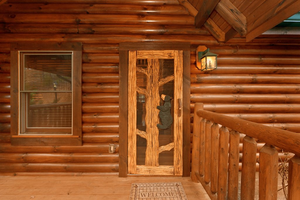 Photo of a Gatlinburg Cabin named Cupids Arrow - This is the seventeenth photo in the set.