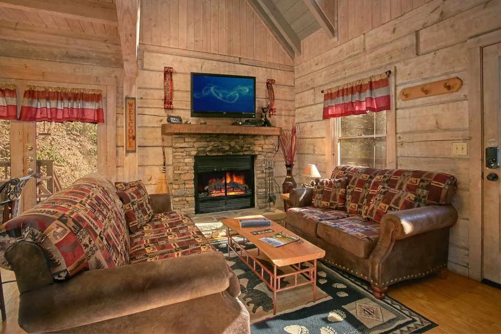 Photo of a Gatlinburg Cabin named Cozy Creek - This is the thirty-second photo in the set.