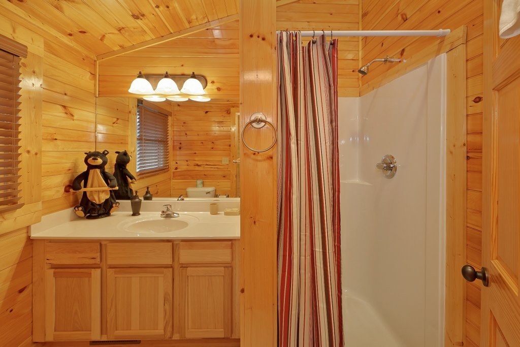 Photo of a Gatlinburg Cabin named Cupids Arrow - This is the fifteenth photo in the set.