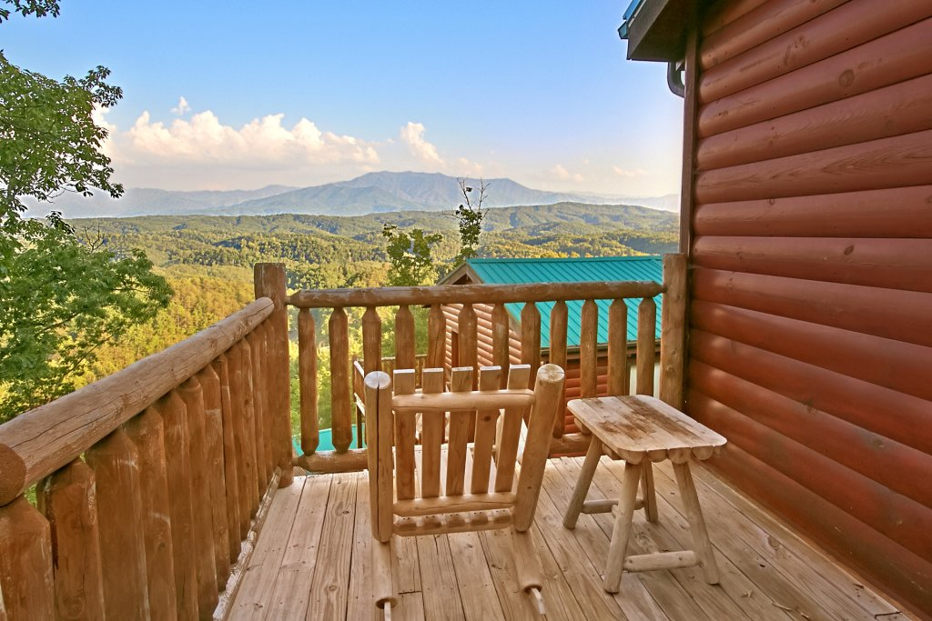 Photo of a Pigeon Forge Cabin named Breathtaking Views - This is the second photo in the set.