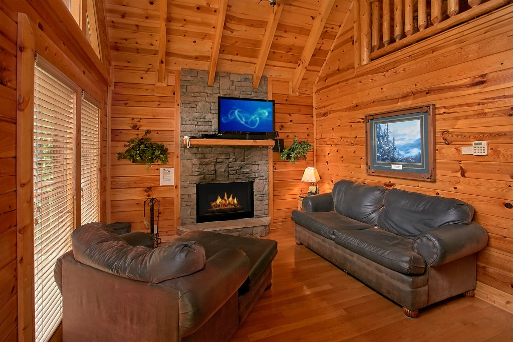 Photo of a Pigeon Forge Cabin named Skinny Dippin - This is the thirteenth photo in the set.
