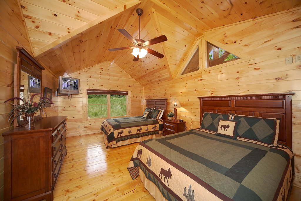 Photo of a Gatlinburg Cabin named Mountain Magic - This is the tenth photo in the set.