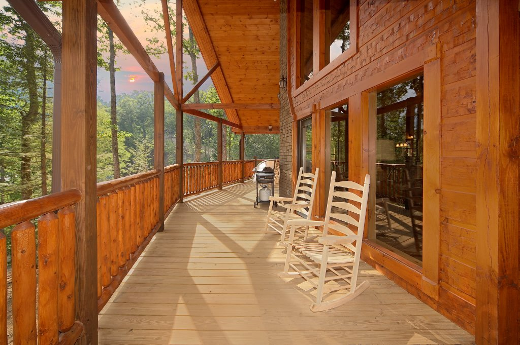Photo of a Gatlinburg Cabin named Southern Philosophy - This is the fourth photo in the set.