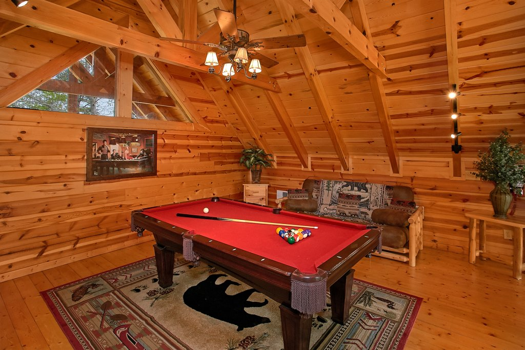 Photo of a Pigeon Forge Cabin named Skinny Dippin - This is the tenth photo in the set.