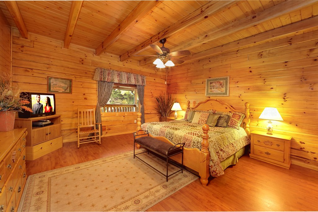 Photo of a Pigeon Forge Cabin named Secluded Hideaway - This is the fifteenth photo in the set.