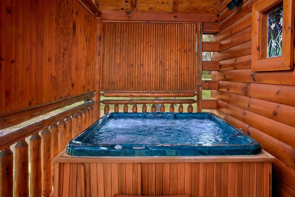 Photo of a Pigeon Forge Cabin named Skinny Dippin - This is the fourth photo in the set.