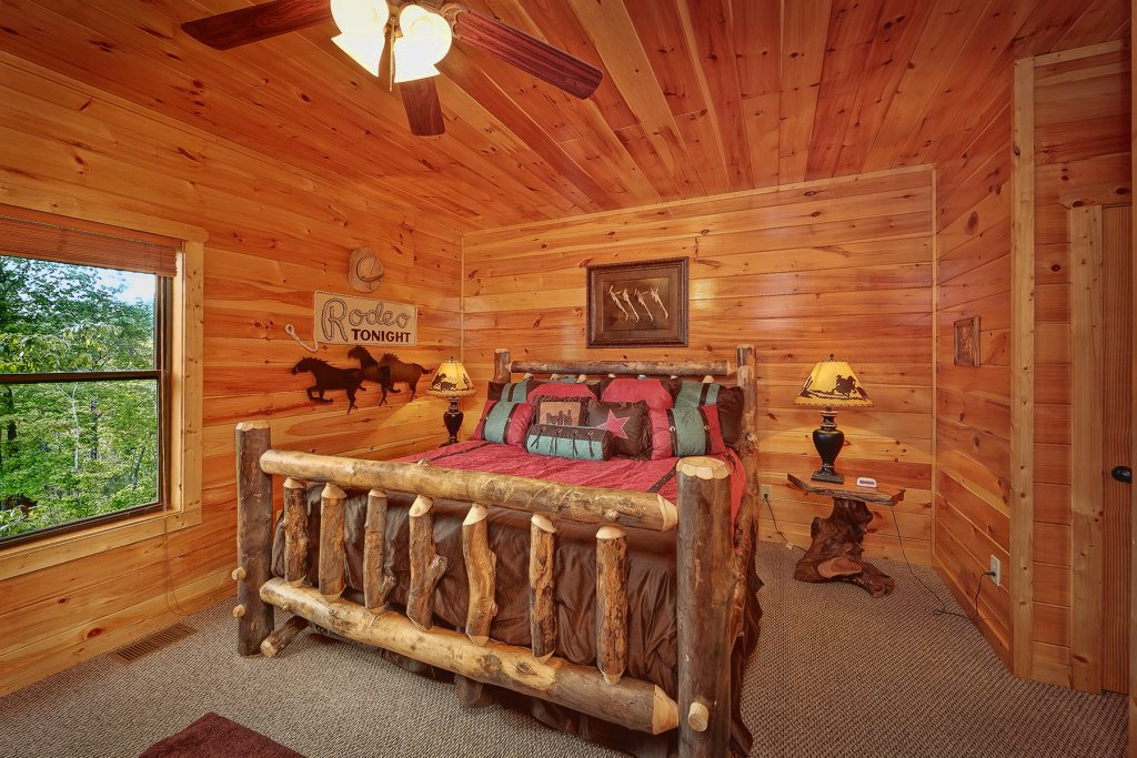 Photo of a Gatlinburg Cabin named Knotty & Nice - This is the sixteenth photo in the set.