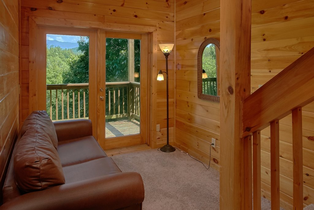 Photo of a Pigeon Forge Cabin named A Mountain View Theater Lodge - This is the fourteenth photo in the set.