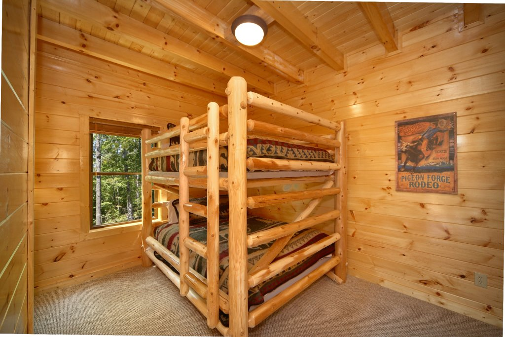 Photo of a Gatlinburg Cabin named Snuggled Inn - This is the fourteenth photo in the set.