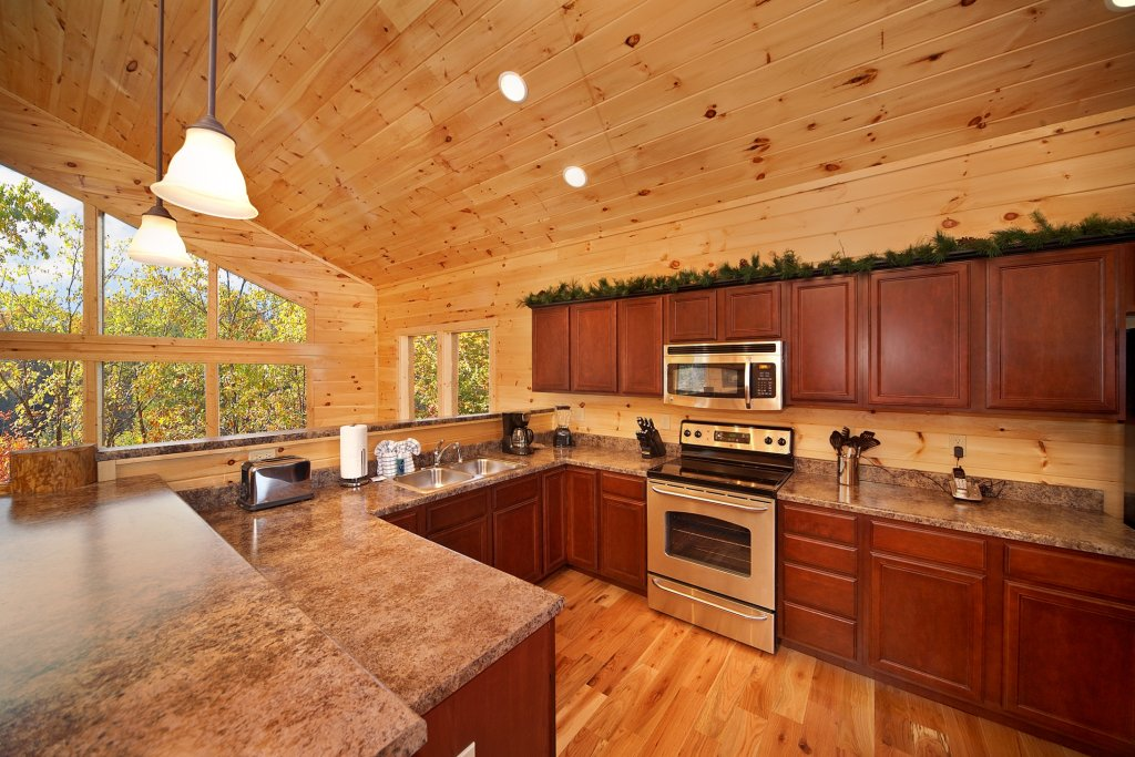 Photo of a Gatlinburg Cabin named Chalet D'amour - This is the ninth photo in the set.