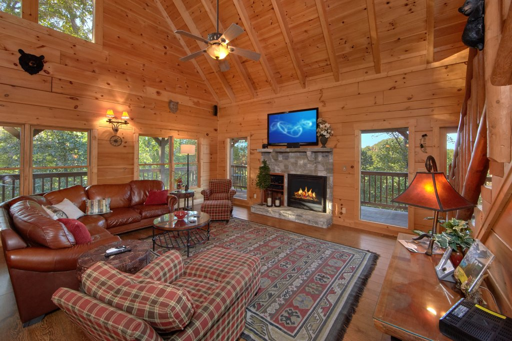 Photo of a Pigeon Forge Cabin named Time Stands Still - This is the tenth photo in the set.