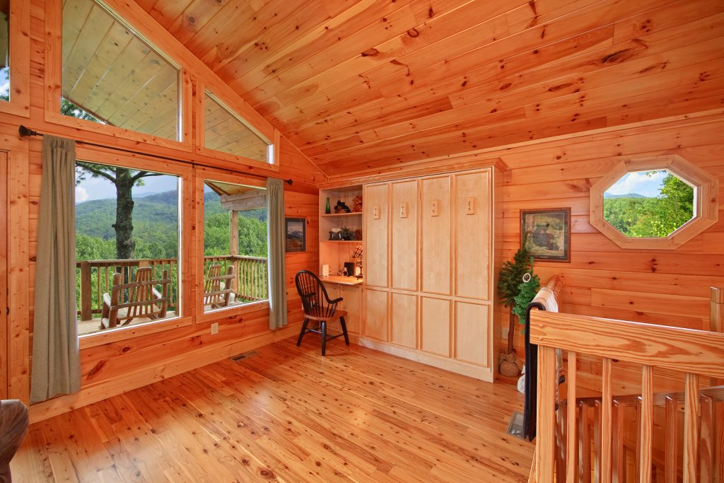 Photo of a Gatlinburg Cabin named Tree Tops - This is the twelfth photo in the set.