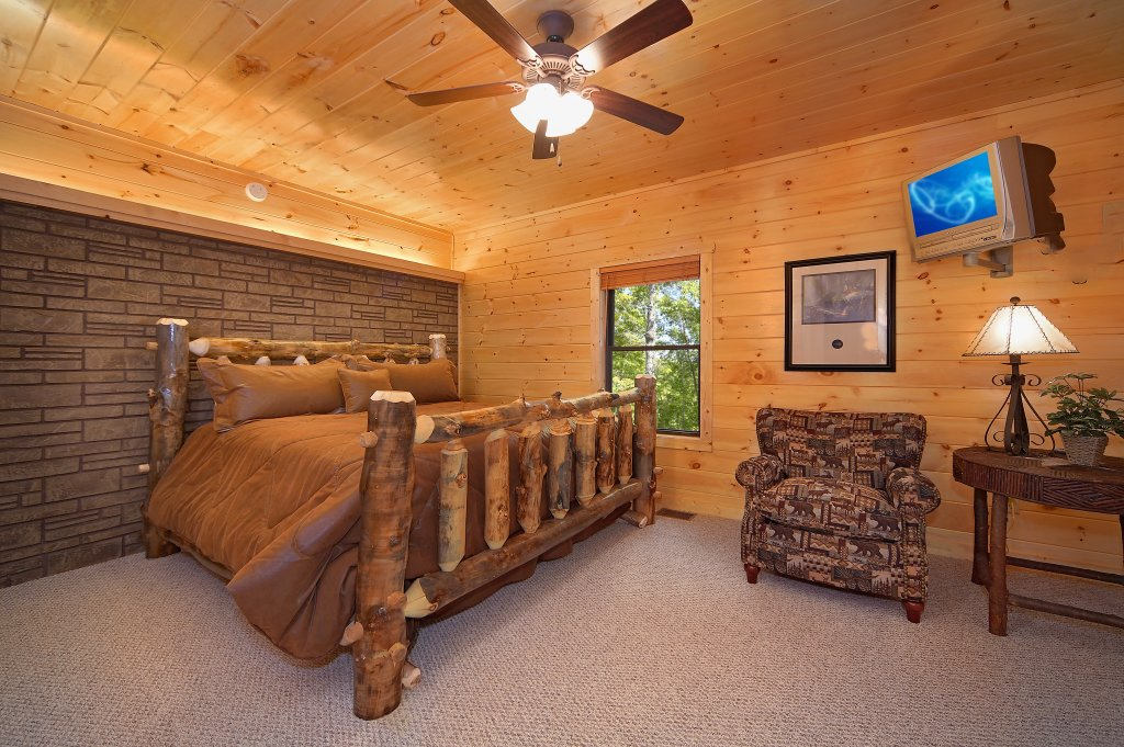 Photo of a Gatlinburg Cabin named Southern Philosophy - This is the eighteenth photo in the set.