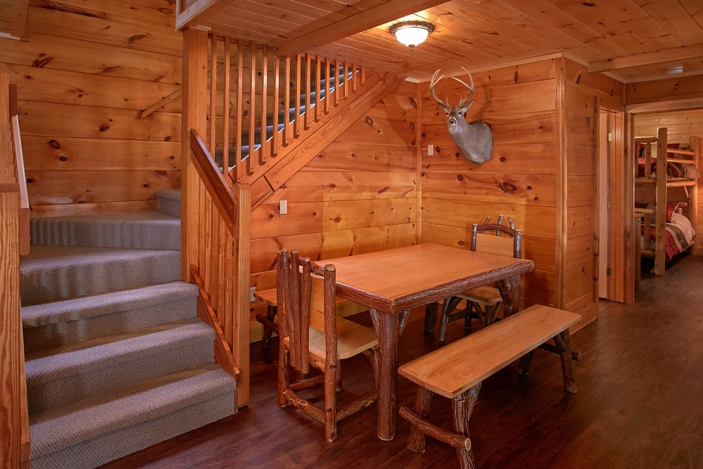 Photo of a Gatlinburg Cabin named Stairway To Heaven - This is the twenty-second photo in the set.