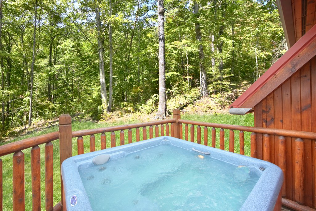 Photo of a Gatlinburg Cabin named Hilltop Hideaway - This is the fifth photo in the set.