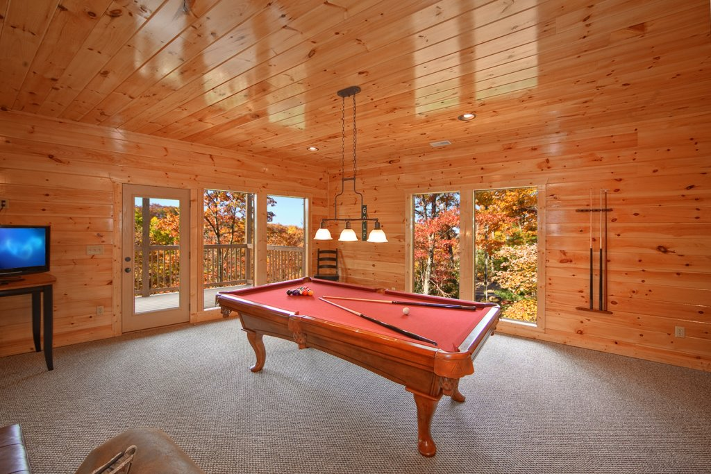 Photo of a Gatlinburg Cabin named Lazy Daze Lodge - This is the sixth photo in the set.