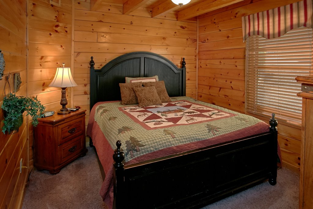 Photo of a Pigeon Forge Cabin named A Mountain View Theater Lodge - This is the sixth photo in the set.