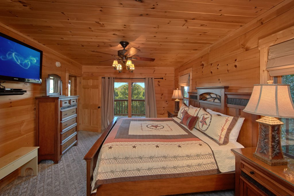 Photo of a Pigeon Forge Cabin named Time Stands Still - This is the nineteenth photo in the set.
