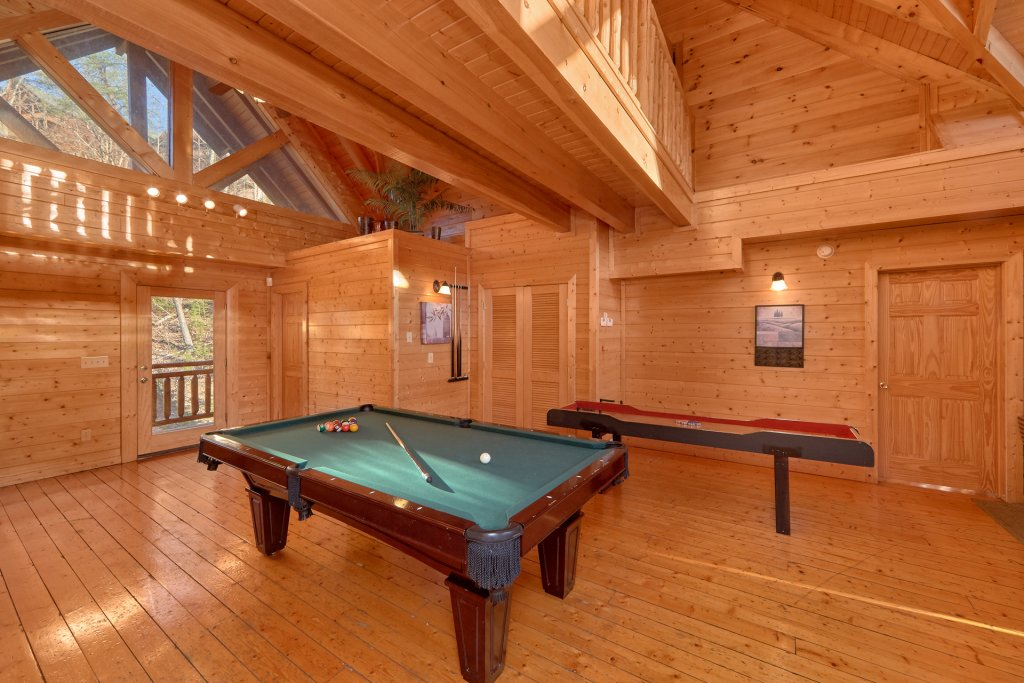 Photo of a Pigeon Forge Cabin named Home Theater Lodge - This is the eighth photo in the set.