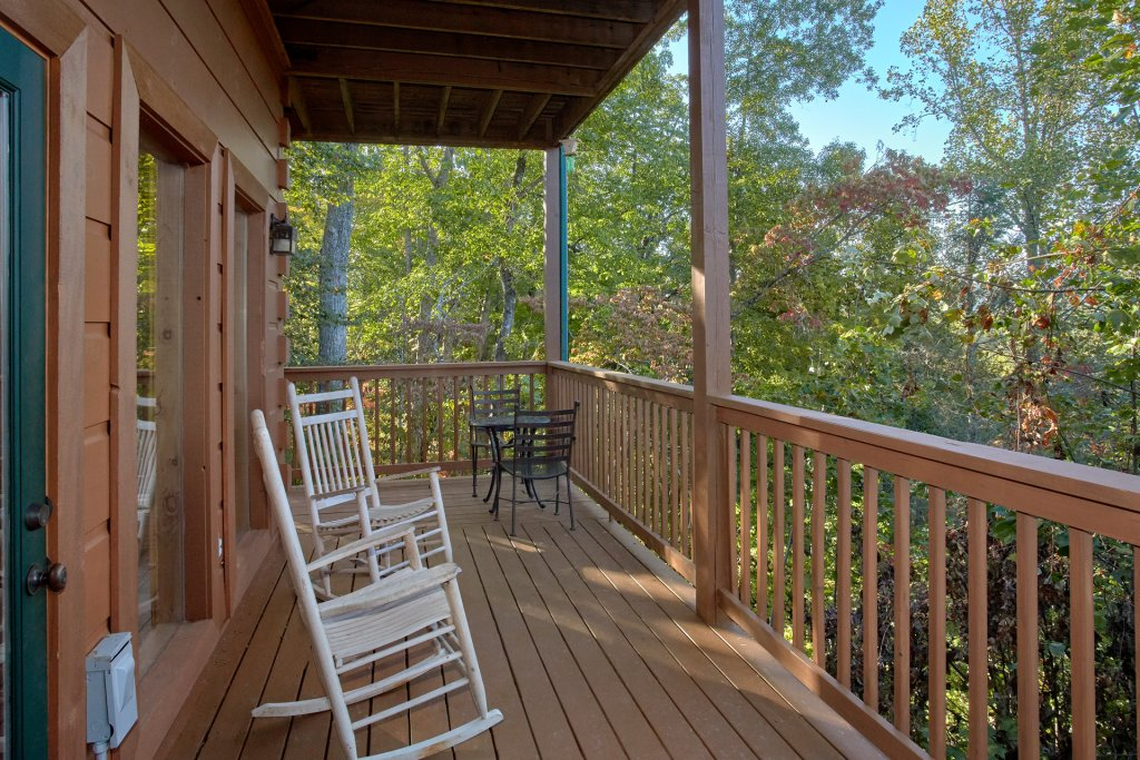 Photo of a Pigeon Forge Cabin named Time Stands Still - This is the seventh photo in the set.