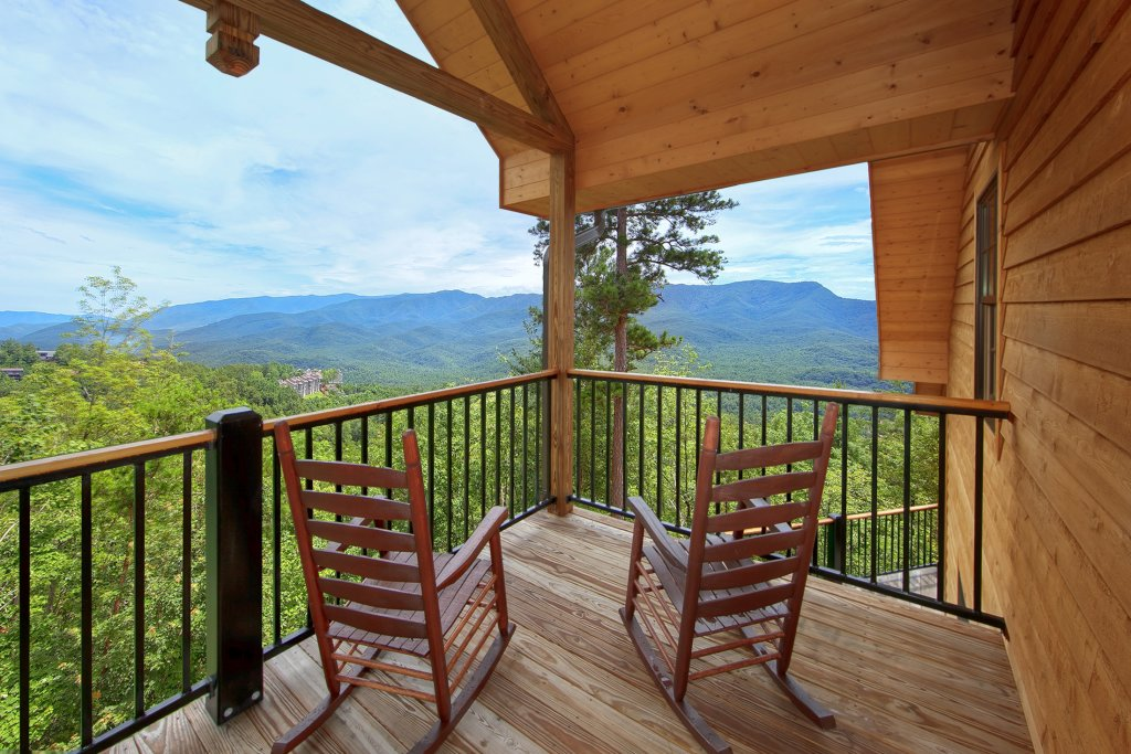 Photo of a Gatlinburg Cabin named Amazing Views Retreat - This is the fifth photo in the set.