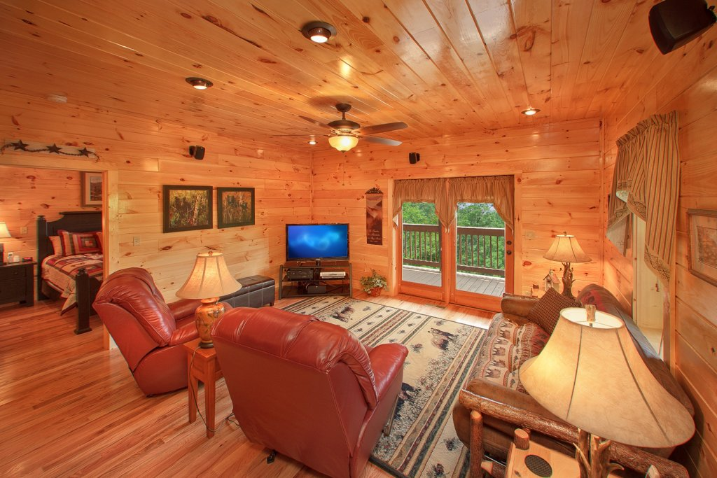 Photo of a Gatlinburg Cabin named Knotty Pine Delight - This is the tenth photo in the set.