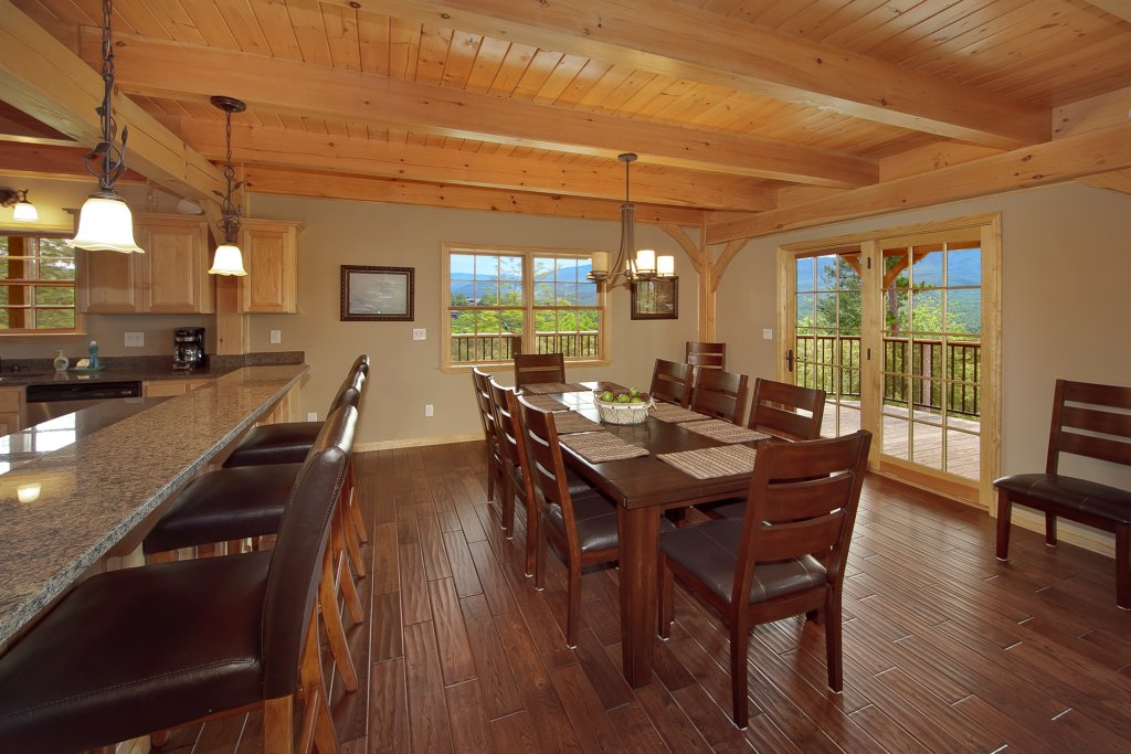 Photo of a Gatlinburg Cabin named Amazing Views Retreat - This is the thirteenth photo in the set.