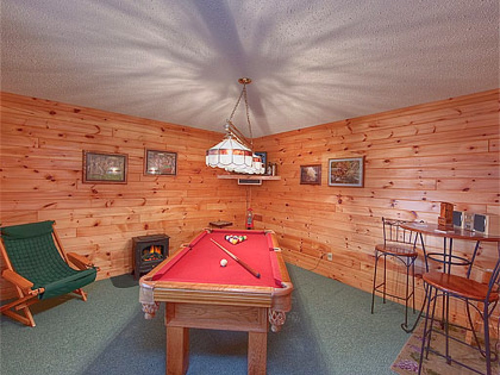 Photo of a Gatlinburg Cabin named Mountain Memories - This is the fourteenth photo in the set.