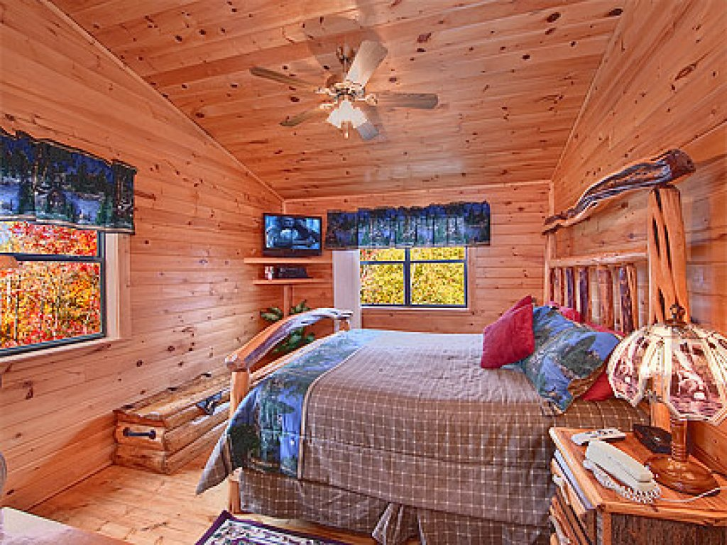 Photo of a Gatlinburg Cabin named Mountain Memories - This is the twenty-first photo in the set.