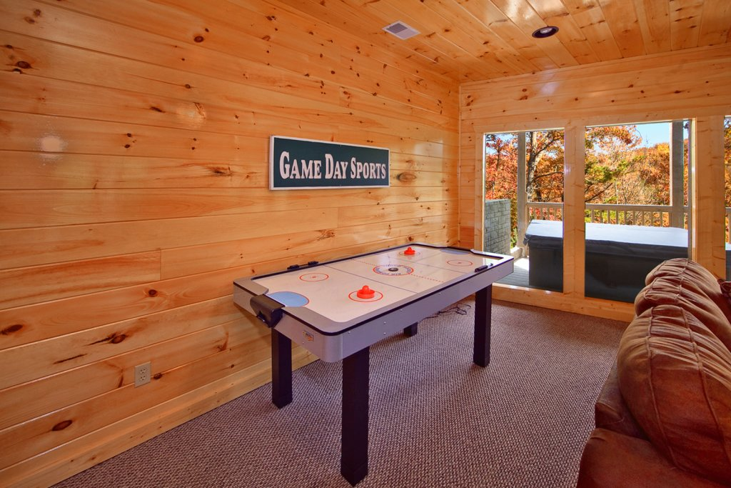 Photo of a Gatlinburg Cabin named Lazy Daze Lodge - This is the seventh photo in the set.