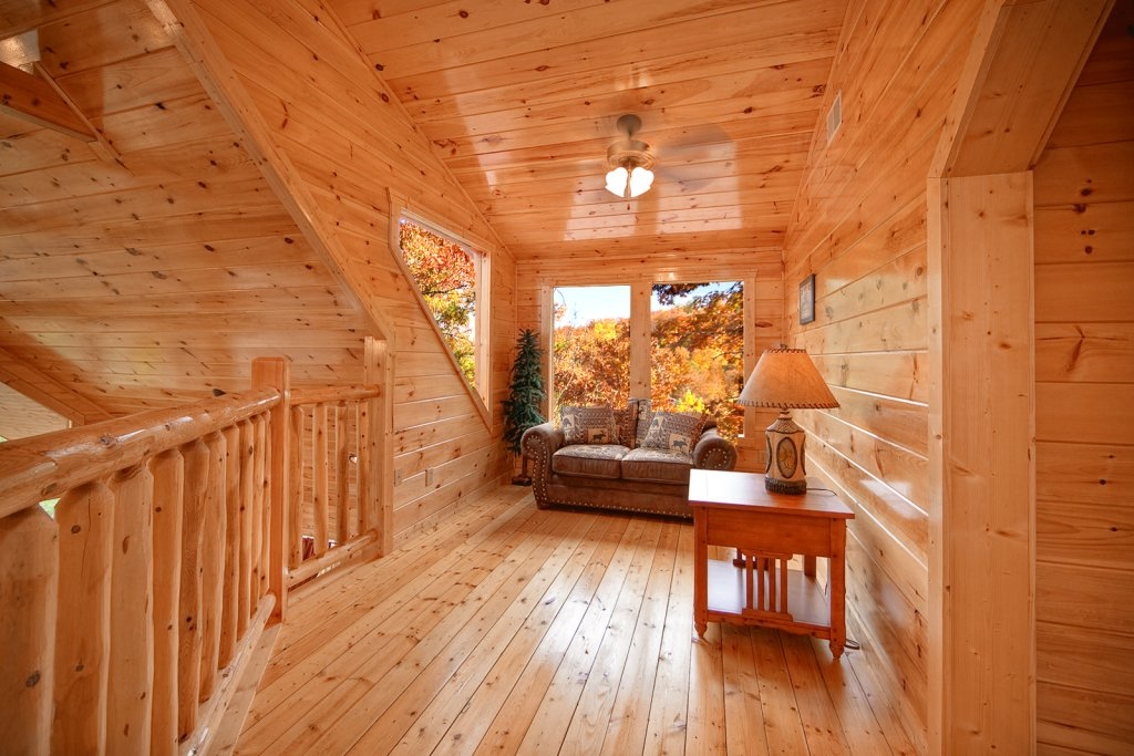 Photo of a Gatlinburg Cabin named Lazy Daze Lodge - This is the thirteenth photo in the set.