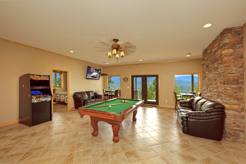 Photo of a Gatlinburg Cabin named Amazing Views Retreat - This is the seventh photo in the set.