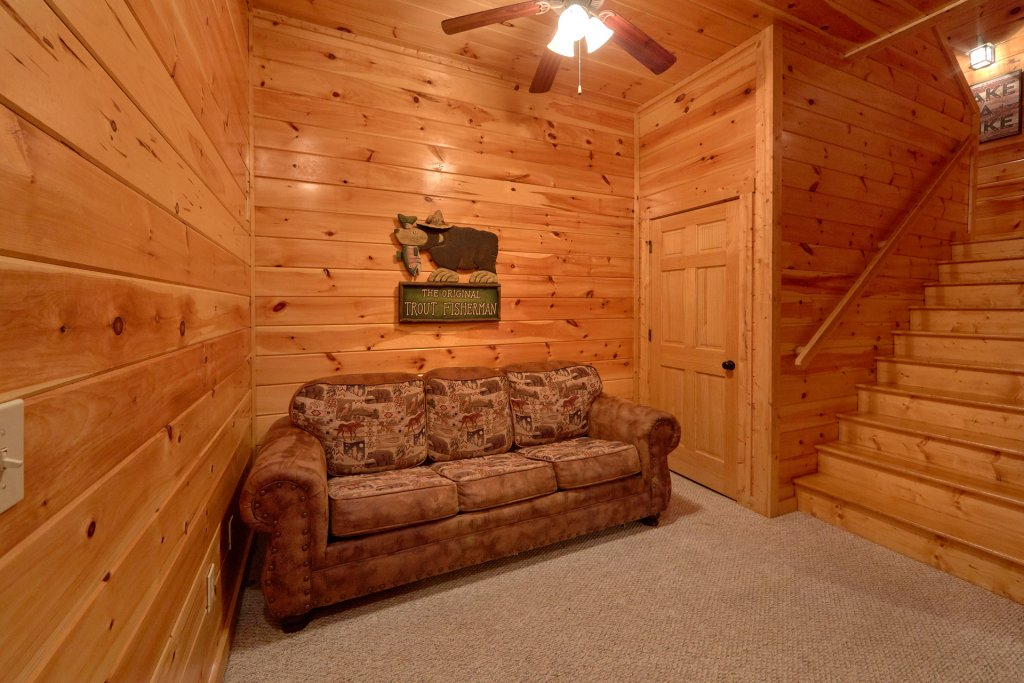 Photo of a Gatlinburg Cabin named Misty Mountain Lodge - This is the twelfth photo in the set.