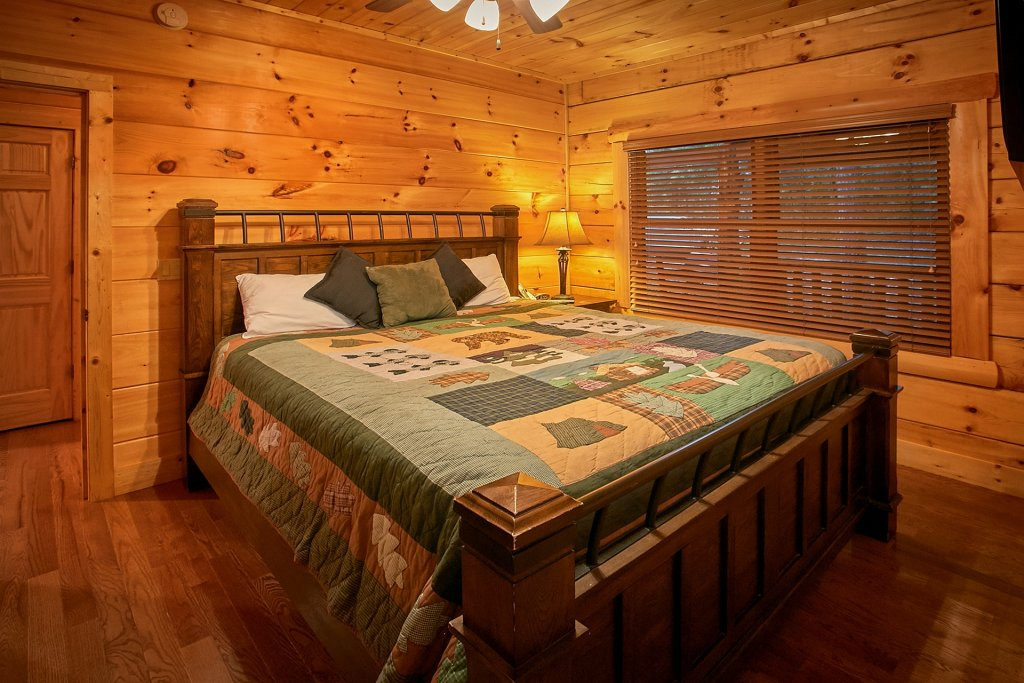 Photo of a Pigeon Forge Cabin named Pinnacle Vista - This is the twenty-fifth photo in the set.