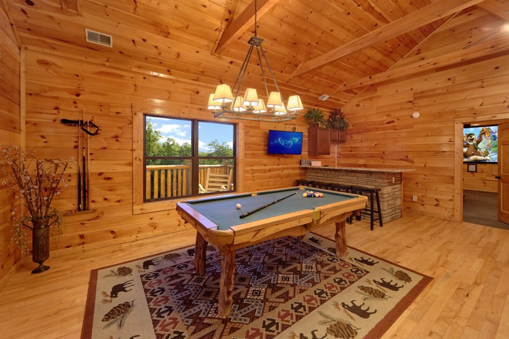 Photo of a Gatlinburg Cabin named Misty Mountain Lodge - This is the fourth photo in the set.