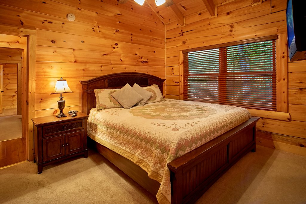 Photo of a Pigeon Forge Cabin named Pinnacle Vista - This is the twenty-sixth photo in the set.
