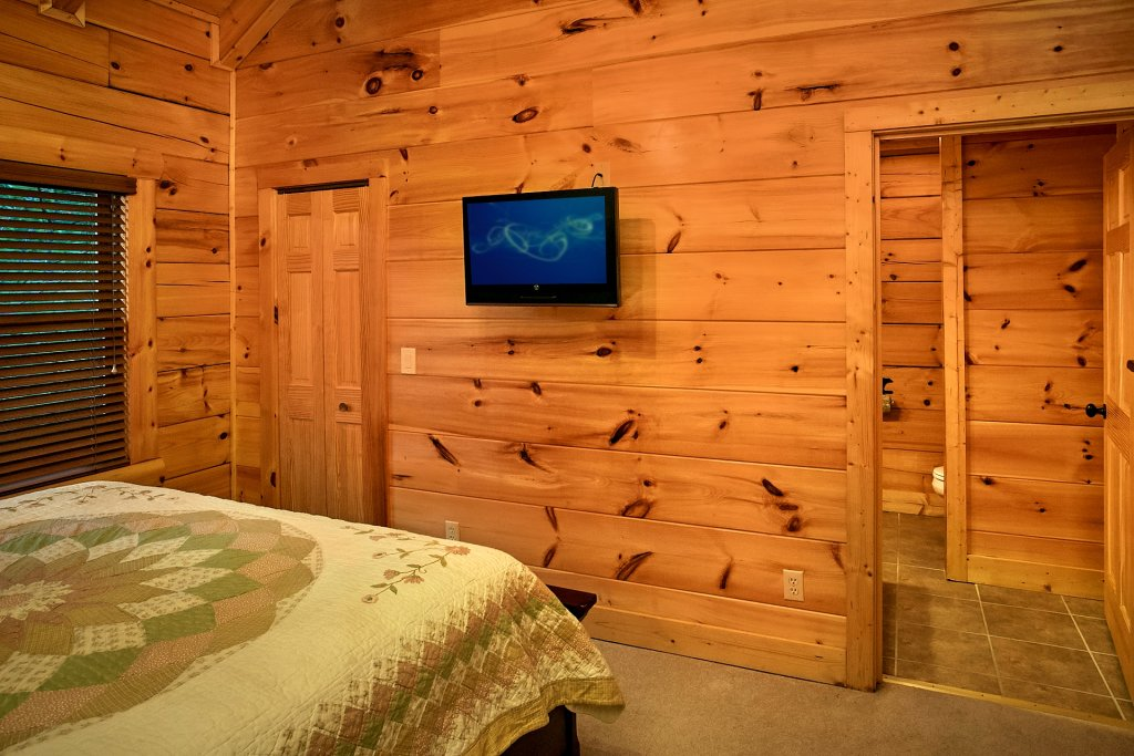 Photo of a Pigeon Forge Cabin named Pinnacle Vista - This is the twenty-fourth photo in the set.