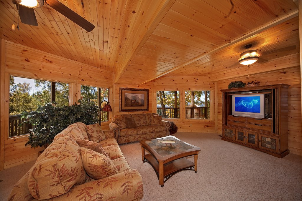 Photo of a Gatlinburg Cabin named Silvercreek - This is the ninth photo in the set.