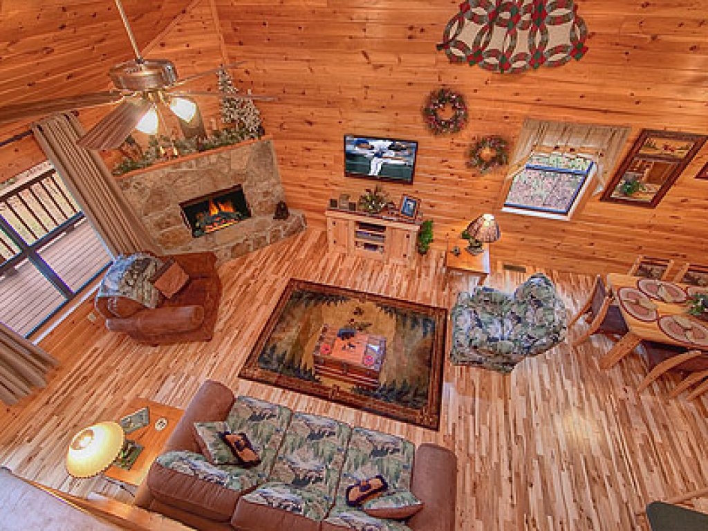 Photo of a Gatlinburg Cabin named Mountain Memories - This is the fifteenth photo in the set.