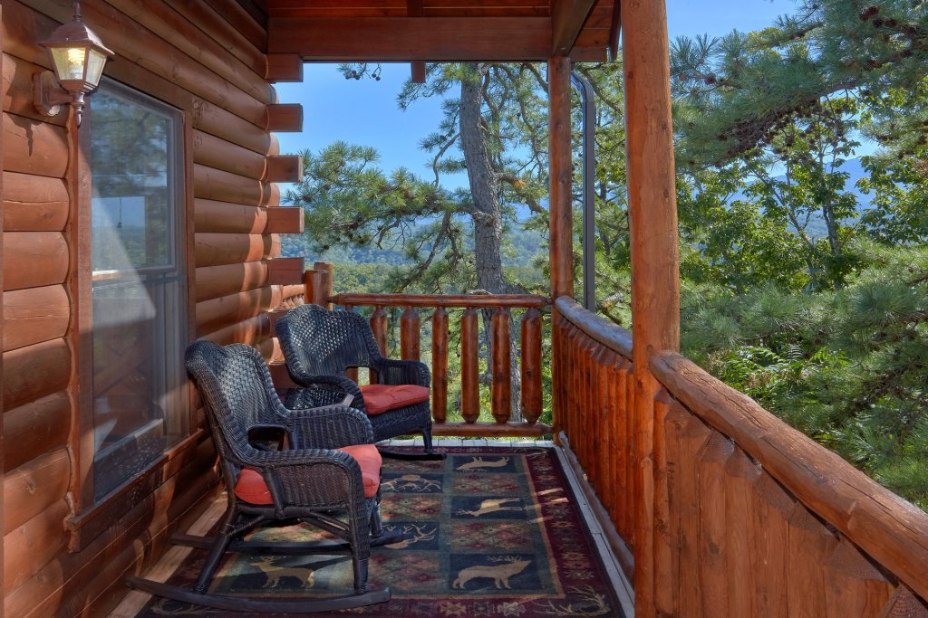 Photo of a Pigeon Forge Cabin named King's View - This is the thirteenth photo in the set.
