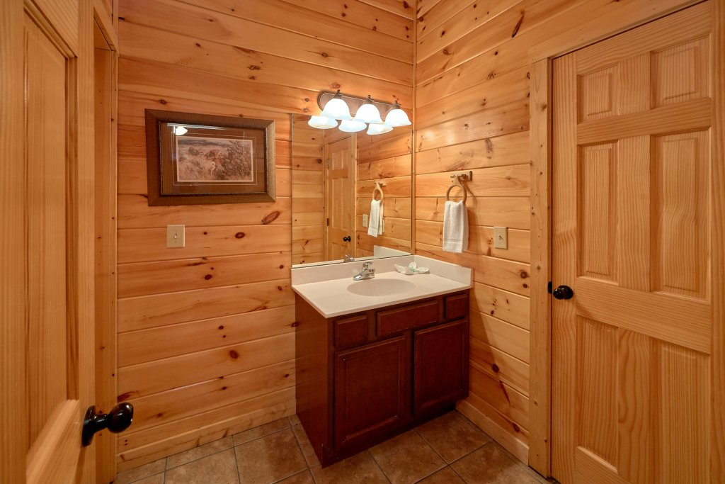 Photo of a Gatlinburg Cabin named A Smoky Hideaway - This is the twenty-seventh photo in the set.
