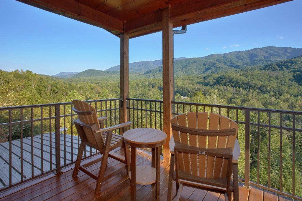 Photo of a Gatlinburg Cabin named Forever Young - This is the second photo in the set.