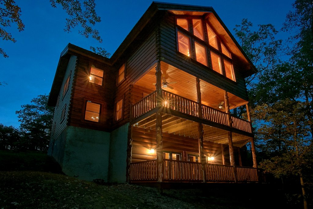 Photo of a Pigeon Forge Cabin named Pinnacle Vista - This is the first photo in the set.