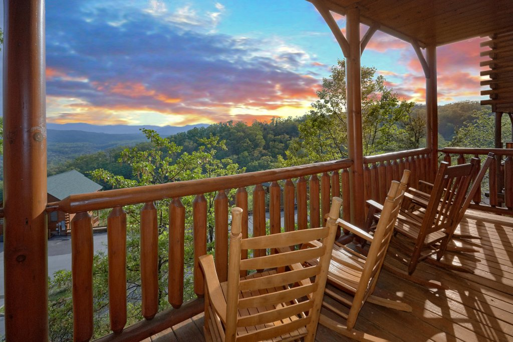 Photo of a Pigeon Forge Cabin named Legacy Vista - This is the first photo in the set.