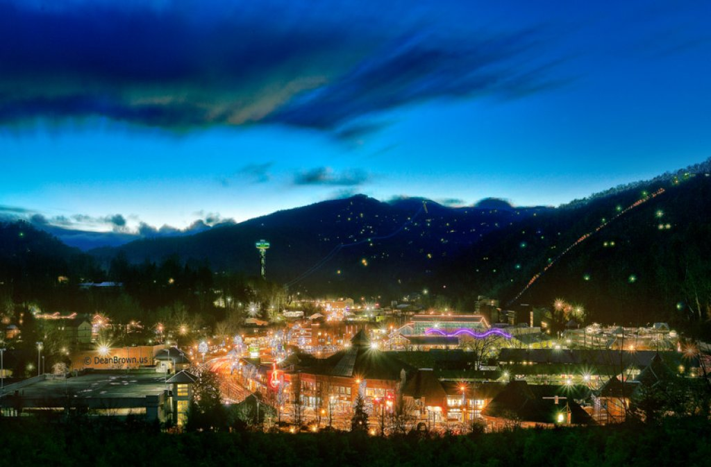 Photo of a Gatlinburg Cabin named Fire In The Sky - This is the twentieth photo in the set.